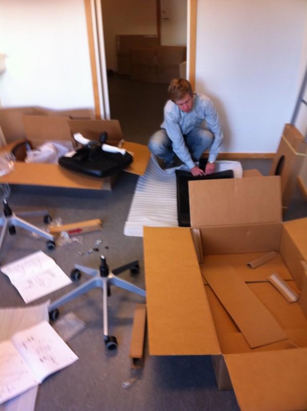 Falkman monterar i vårt rum